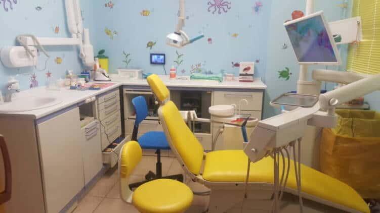 Οδοντίατρος, Αποστολοπούλου Δάφνη, παιδοδοντίατρος